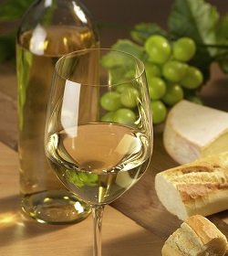 wine-and-bread-1329145-639x716